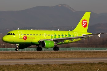 VQ-BQW - S7 Airlines Airbus A319