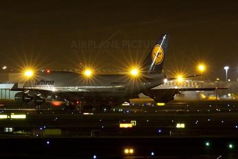 D-ABVD - Lufthansa Boeing 747-400