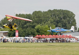 YR-5116 - Private Aerostar Festival