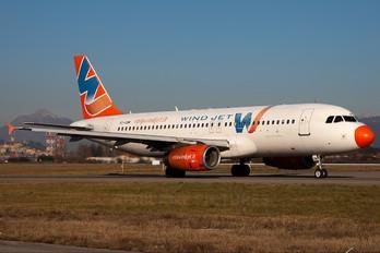 EI-CUM - Windjet Airbus A320