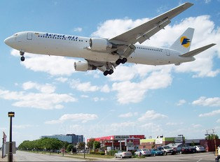 UR-DNM - Aerosvit - Ukrainian Airlines Boeing 767-300ER