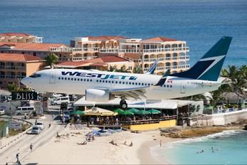C-GSWJ - WestJet Airlines Boeing 737-700