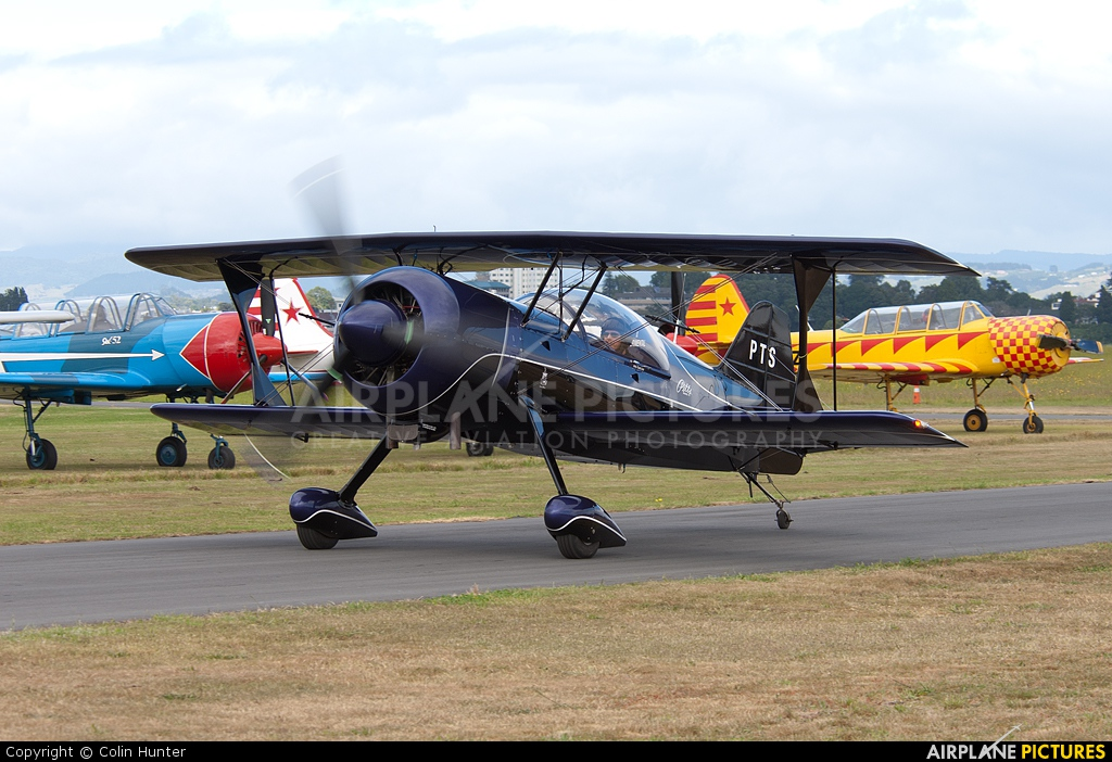 Private ZK-PTS aircraft at Tauranga