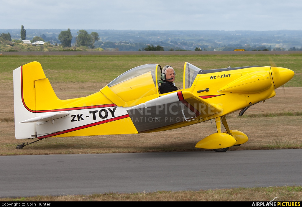Private ZK-TOY aircraft at Tauranga