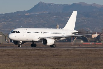 VQ-BLY - Sky Express Airbus A319