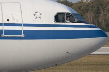 B-2389 - Air China Airbus A340-300
