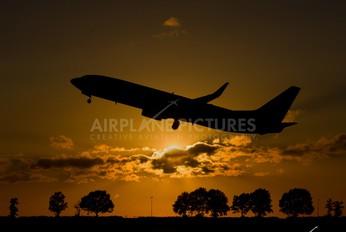 EI-DYL - Ryanair Boeing 737-800