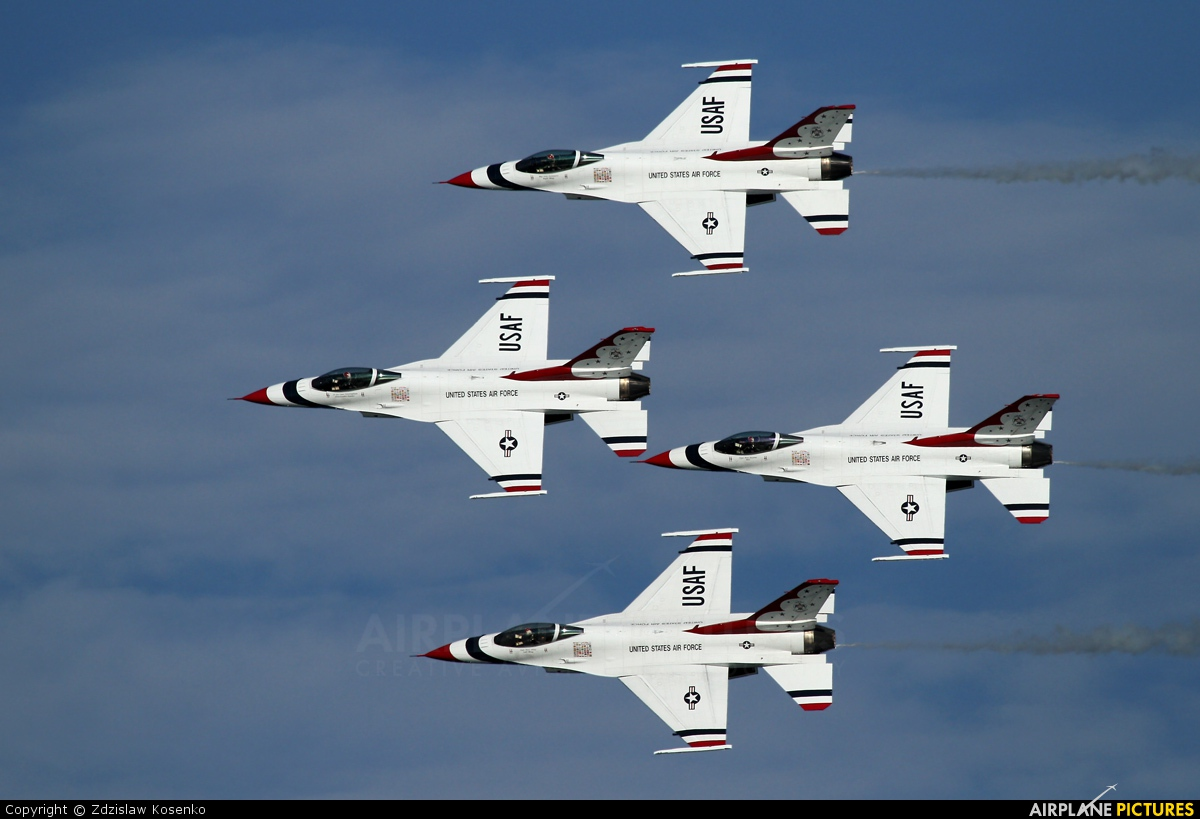 USA - Air Force : Thunderbirds 92-3880 aircraft at Off Airport - Italy