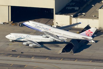 B-18251 - China Airlines Boeing 747-400