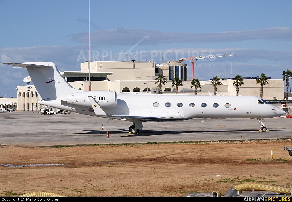Deer Jet B-8100 aircraft at Malta Intl
