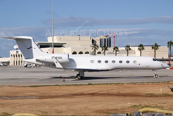 B-8100 - Deer Jet Gulfstream Aerospace G-V, G-V-SP, G500, G550
