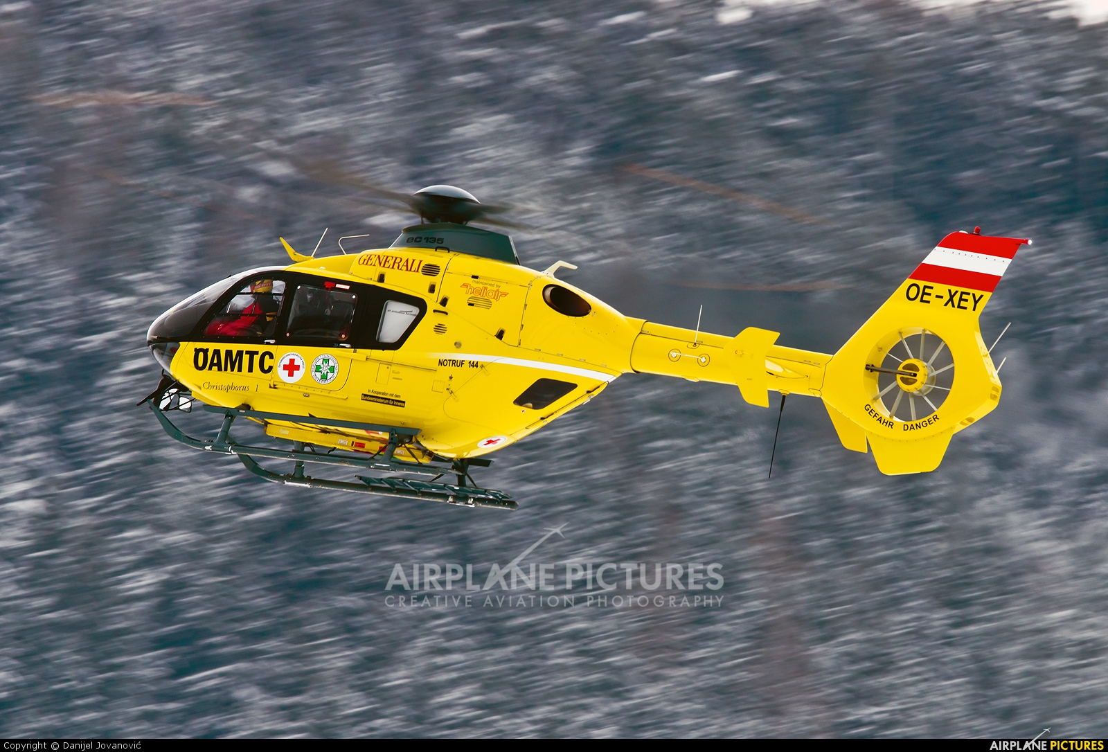 OAMTC OE-XEY aircraft at Innsbruck