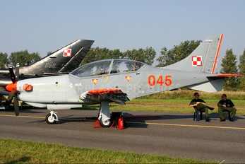 "045 - Poland - Air Force ""Orlik Acrobatic Group"" PZL 130 Orlik TC-1 / 2"