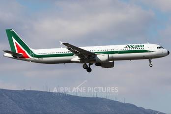EI-IXB - Alitalia Airbus A321