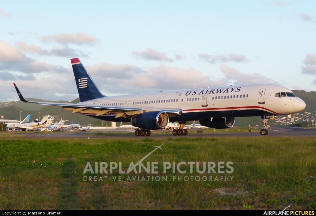 US Airways N206UW aircraft at Sint Maarten - Princess Juliana Intl