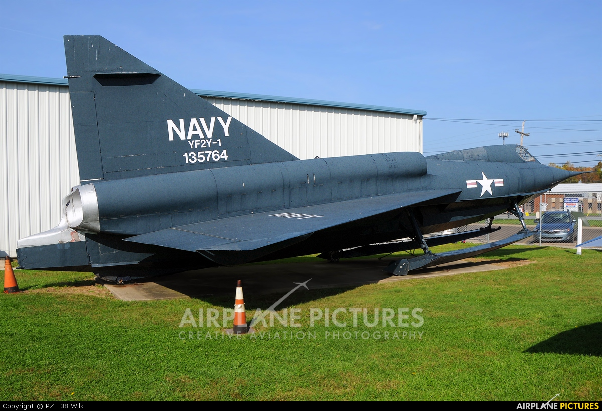 USA - Navy 135764 aircraft at NAS Willow Grove