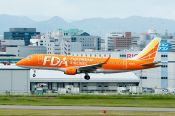 JA05FJ - Fuji Dream Airlines Embraer ERJ-175 (170-200)