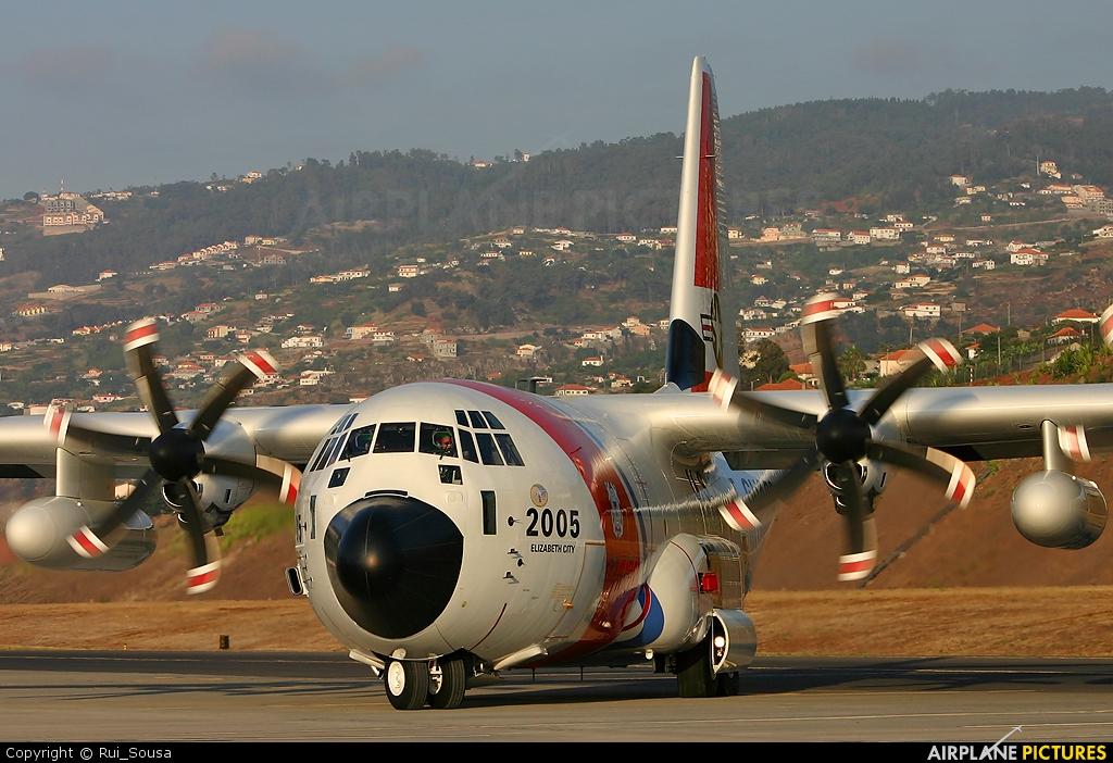 USA - Coast Guard 2005 aircraft at Madeira