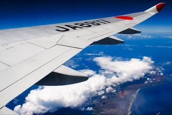 JA8917 - JAL - Japan Airlines Boeing 747-400
