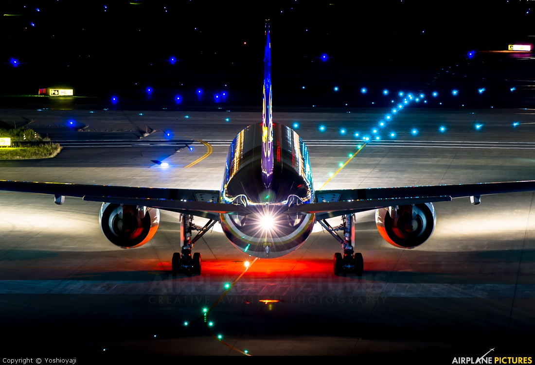 Thai Airways HS-TKJ aircraft at Tokyo - Haneda Intl
