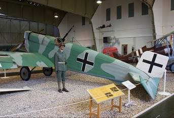 - - Germany - Imperial Air Force (WW1) Junkers D.9