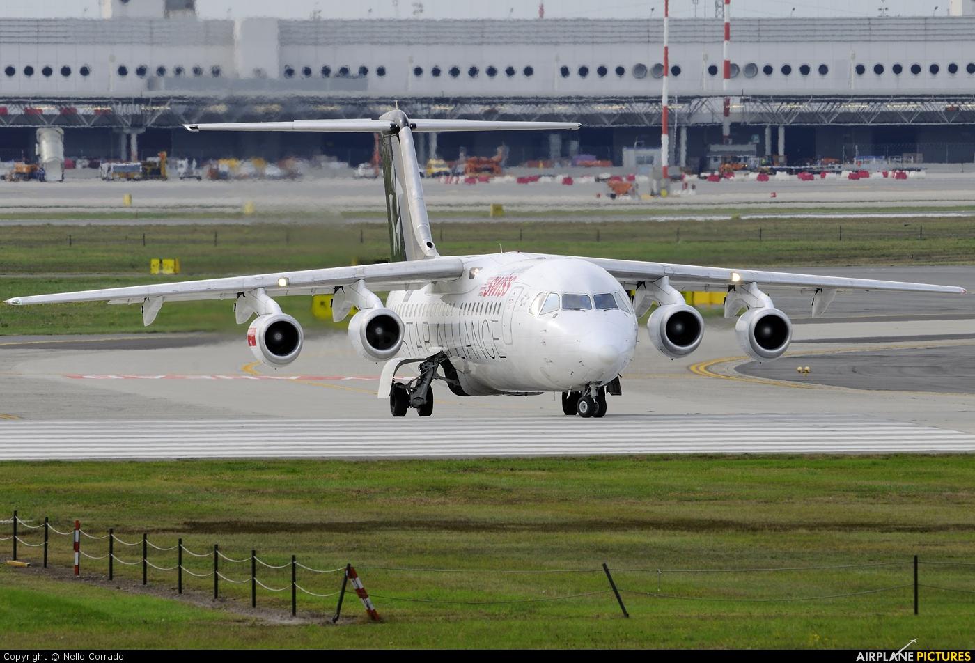 Swiss HB-IYU aircraft at Milan - Malpensa