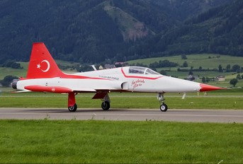 71-3049 - Turkey - Air Force : Turkish Stars Canadair NF-5A