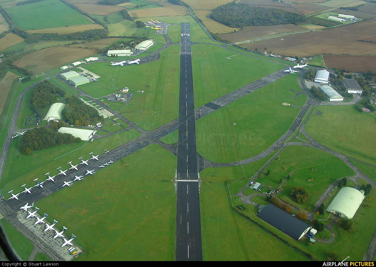 - Airport Overview - aircraft at Kemble
