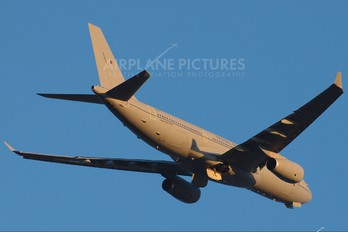 ZZ330 - Royal Air Force Airbus Voyager KC.2