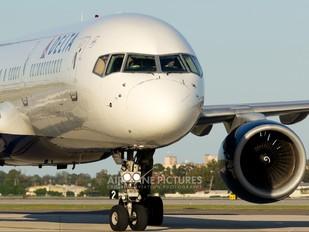 N501US - Delta Air Lines Boeing 757-200