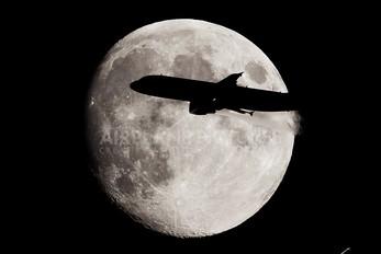 - - Alitalia Airbus A320