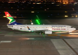 ZS-SJB - South African Airways Boeing 737-800