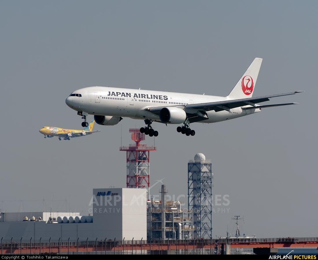 JAL - Japan Airlines JA772J aircraft at Tokyo - Haneda Intl