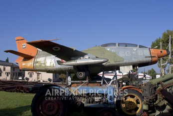 MM54410 - Italy - Air Force Fiat G91T