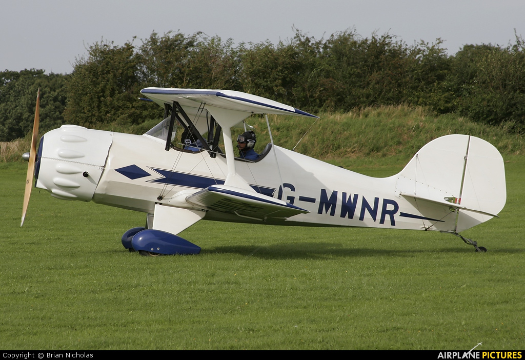 Private G-MWNR aircraft at Northampton / Sywell