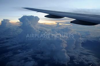9V-SQE - Singapore Airlines Boeing 777-200ER
