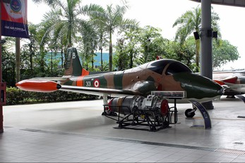 301 - Singapore - Air Force BAC 167 Strikemaster