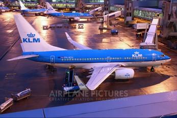 PH-BGH - KLM Boeing 737-700