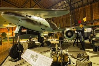 - - Germany - Luftwaffe (WW2) Messerschmitt Me.262 Schwalbe