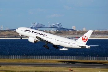 JA8982 - JAL - Japan Airlines Boeing 777-200