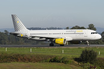 EC-JSY - Vueling Airlines Airbus A320