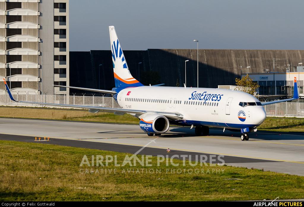 SunExpress TC-SNT aircraft at Frankfurt