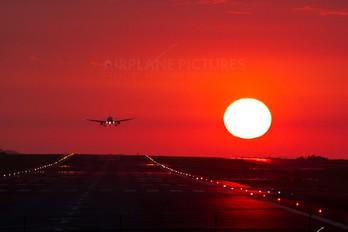 - - TACA Airbus A319