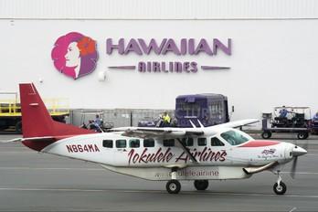 N864MA - Mokulele Airlines Cessna 208 Caravan