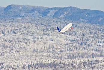 LN-BUF - SAS - Scandinavian Airlines Boeing 737-400