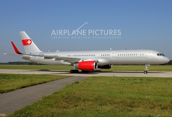 HB-IEE - PrivatAir Boeing 757-200