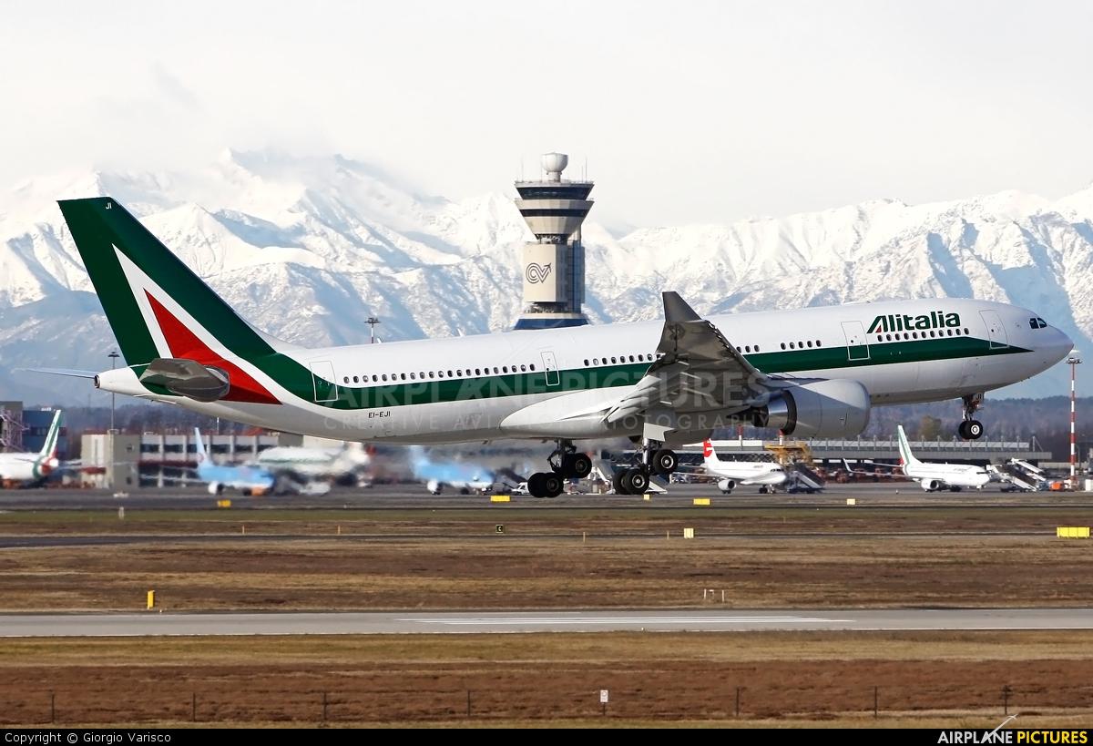 Alitalia EI-EJI aircraft at Milan - Malpensa