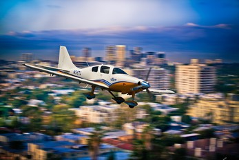 - - Private Lancair LC 41