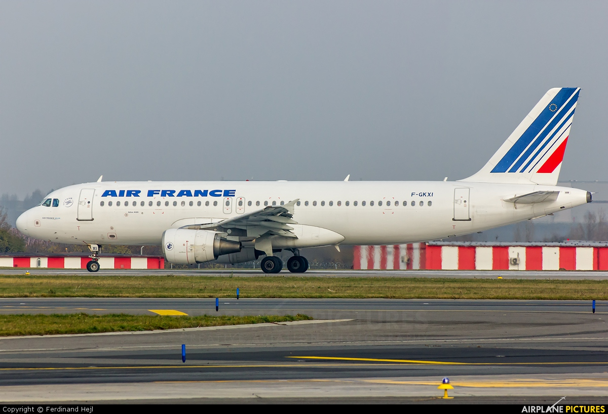 Air France F-GKXI aircraft at Prague - Václav Havel