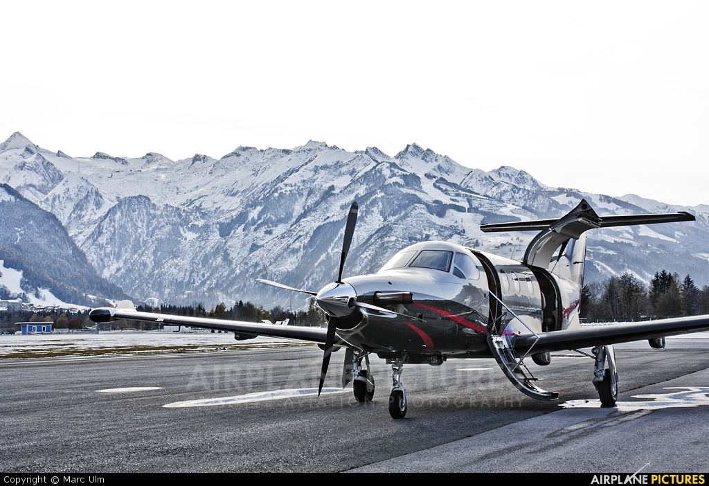 Private OK-PMC aircraft at Zell am See